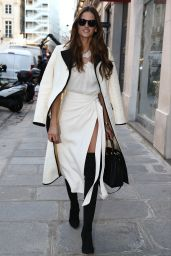 Izabel Goulart Classy Fashion - Paris 11/29/ 2016