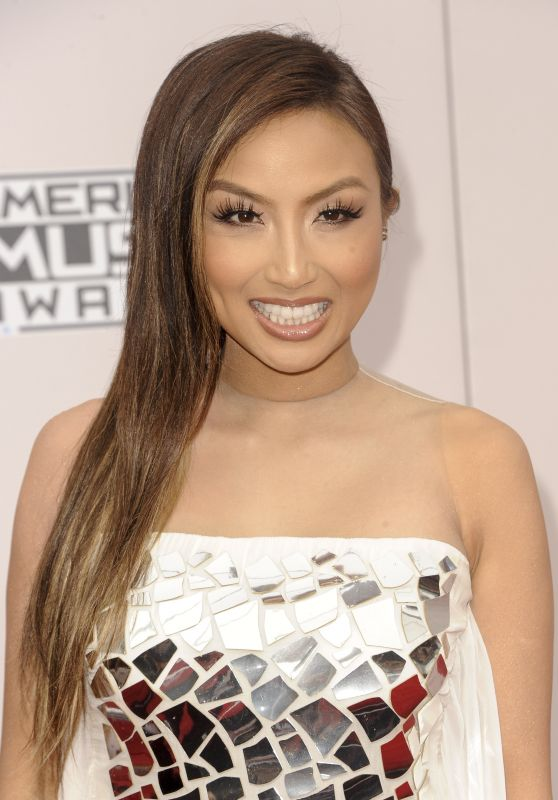 Jeannie Mai – 2016 American Music Awards in Los Angeles