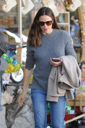 Jennifer Garner - Shopping in Los Angeles 11/21/ 2016