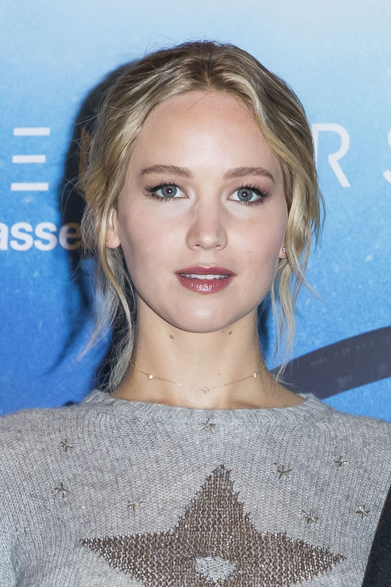 jennifer lawrence passengers photocall in paris 1129