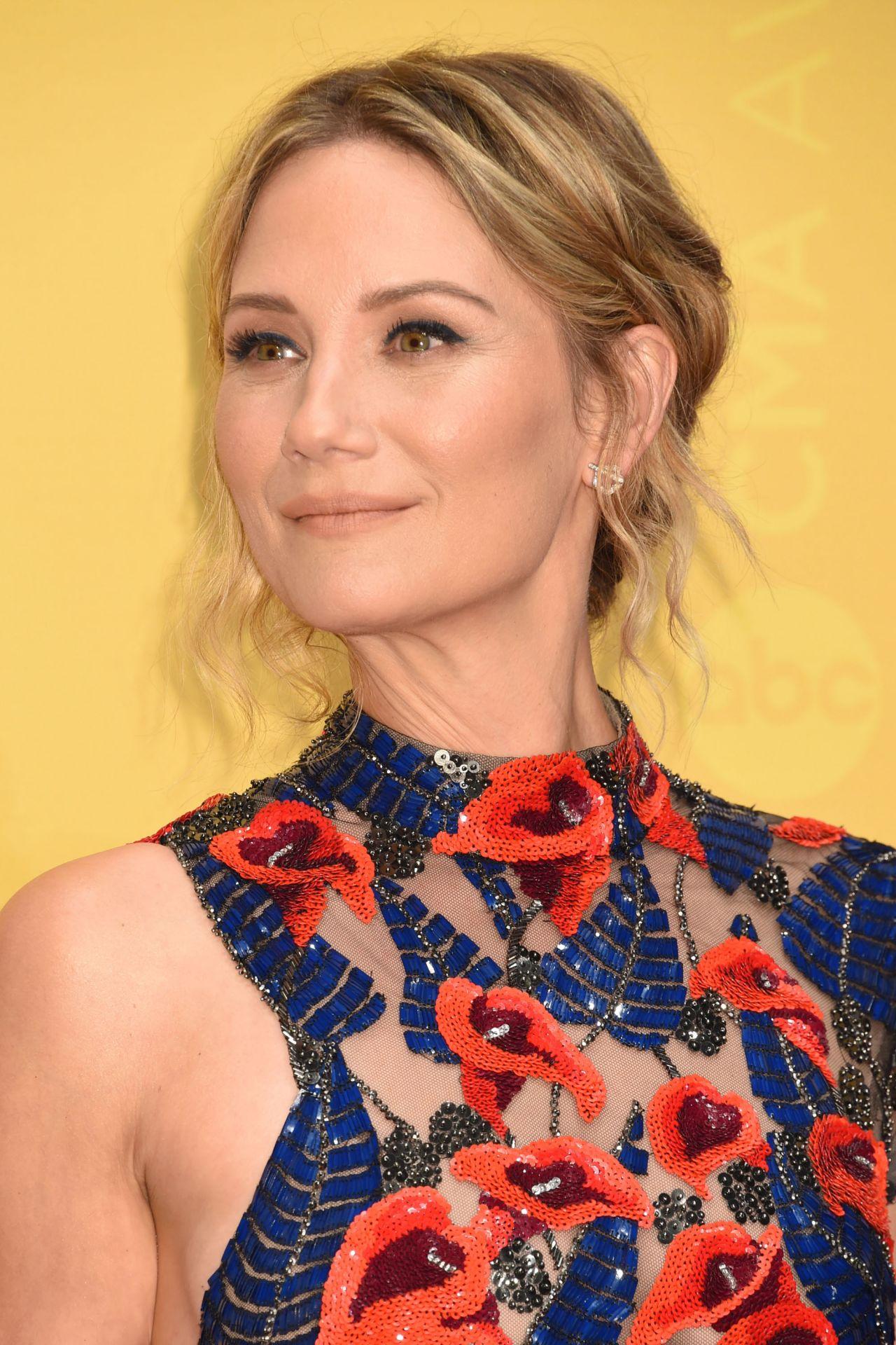 Jennifer Nettles – 50th Annual CMA Awards in Nashville 11 ... Jennifer Nettles