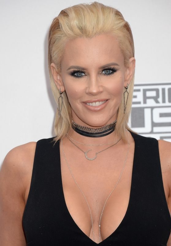 Jenny McCarthy – 2016 American Music Awards in Los Angeles