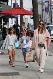 Jessica Alba Casual Style - Shopping at Sugarfina in Beverly Hills 11/12/ 2016