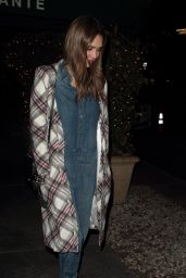 Jessica Alba - Laving Madeo Restaurant in West Hollywood 11/29/ 2016