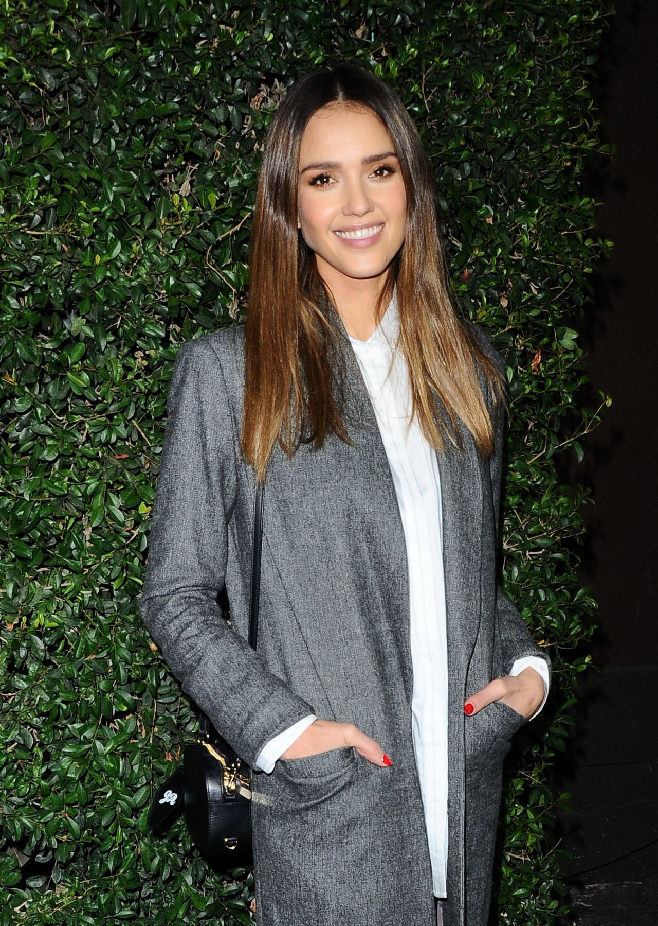 http://celebmafia.com/wp-content/uploads/2016/11/jessica-alba-who-what-wear-10th-anniversary-in-los-angeles-11-2-2016-18.jpg