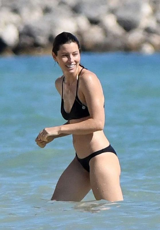 Jessica Biel in Bikini at a Caribbean Beach 11/09/2016