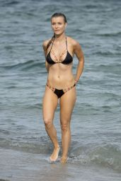 Joanna Krupa Hot in Bikini - Beach in Miami 11/23/ 2016