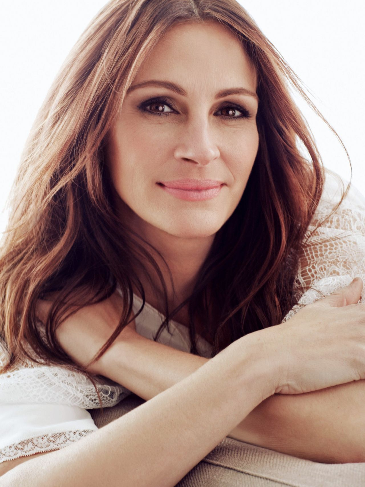Julia Roberts Photoshoot For Madame Figaro November 2016