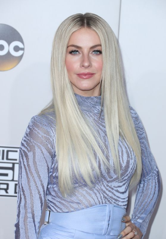 Julianne Hough – 2016 American Music Awards in Los Angeles