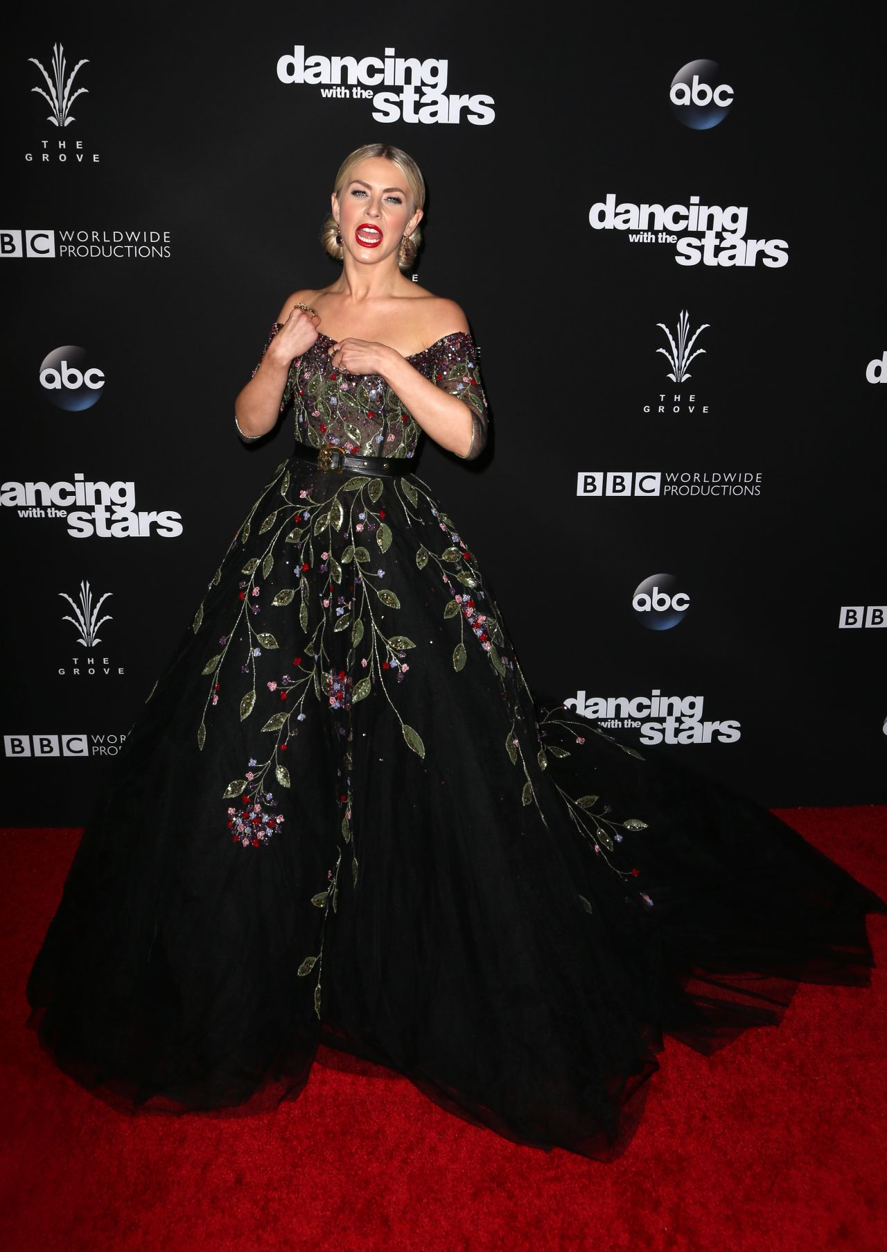 Julianne Hough – 'Dancing With the Stars' Season 23 Finale ...