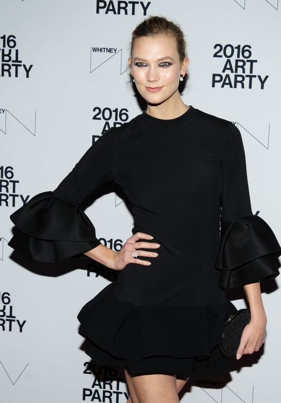 Karlie Kloss - The Whitney Annual Art Party, Whitney Museum of American Art in New York 11/15/ 2016