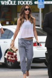 Kate Beckinsale - Shopping at Whole Foods in Los Angeles 11/7/ 2016