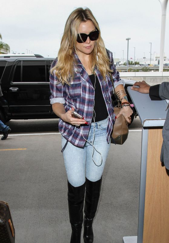 Kate Hudson Travel Outfit - LAX Airport in LA 11/20/ 2016