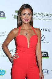 Katie Cleary - Farm Sanctuary