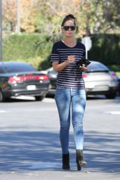 Katie Holmes - Picking Up a Coffee and a Bite at Pain Quotidian in Westlake Village 11/14/ 2016