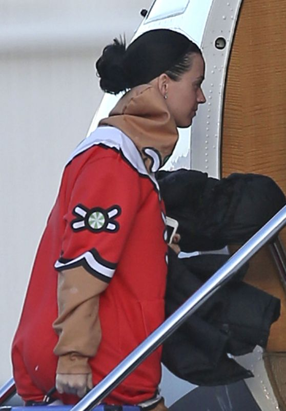 Katy Perry - Boarding a Plane in Van Nuys 11/27/ 2016