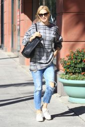 Kelly Rutherford - Running Errands in Beverly Hills 11/14/2016