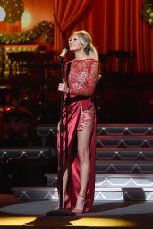 Kelsea Ballerini - CMA 2016 Country Christmas in Nashville