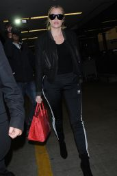 Khloe Kardashian - Arriving to the Lax Airport in Los Angeles 11/26/ 2016