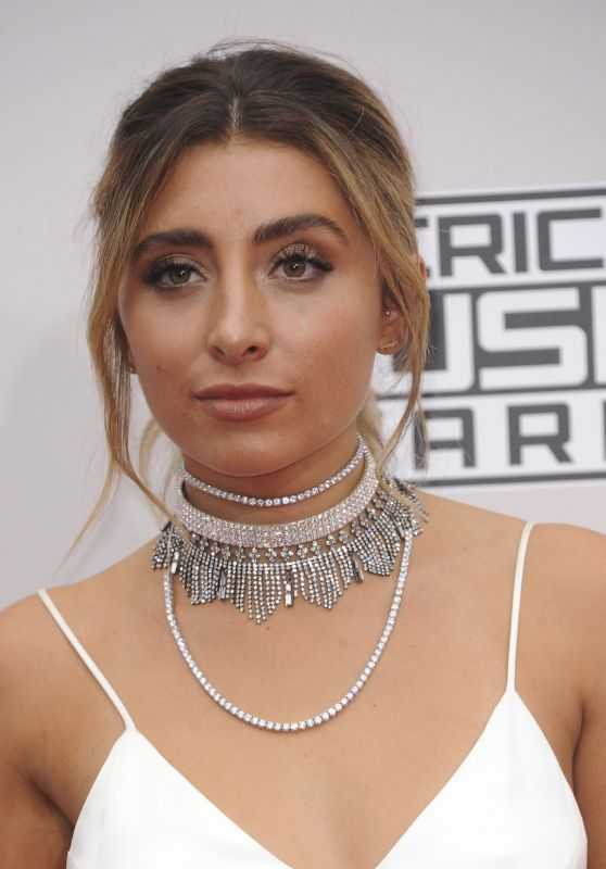 Lauren Elizabeth – 2016 American Music Awards in Los Angeles