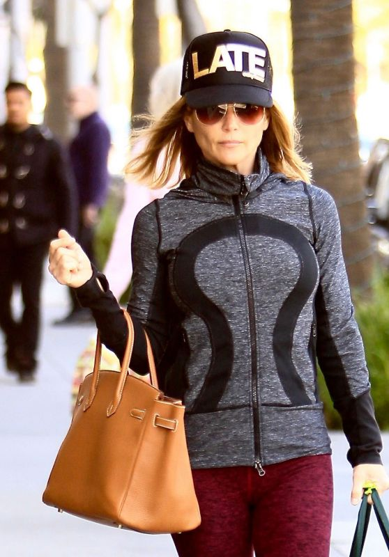 Lori Loughlin - Shopping in Beverly Hills 11/23/ 2016