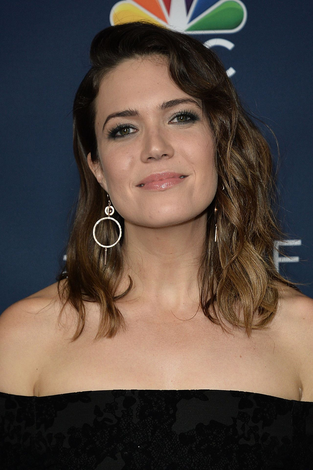 Mandy Moore Nbc And Vanity Fair Toast The 2016 2017 Tv Season In Hollywood