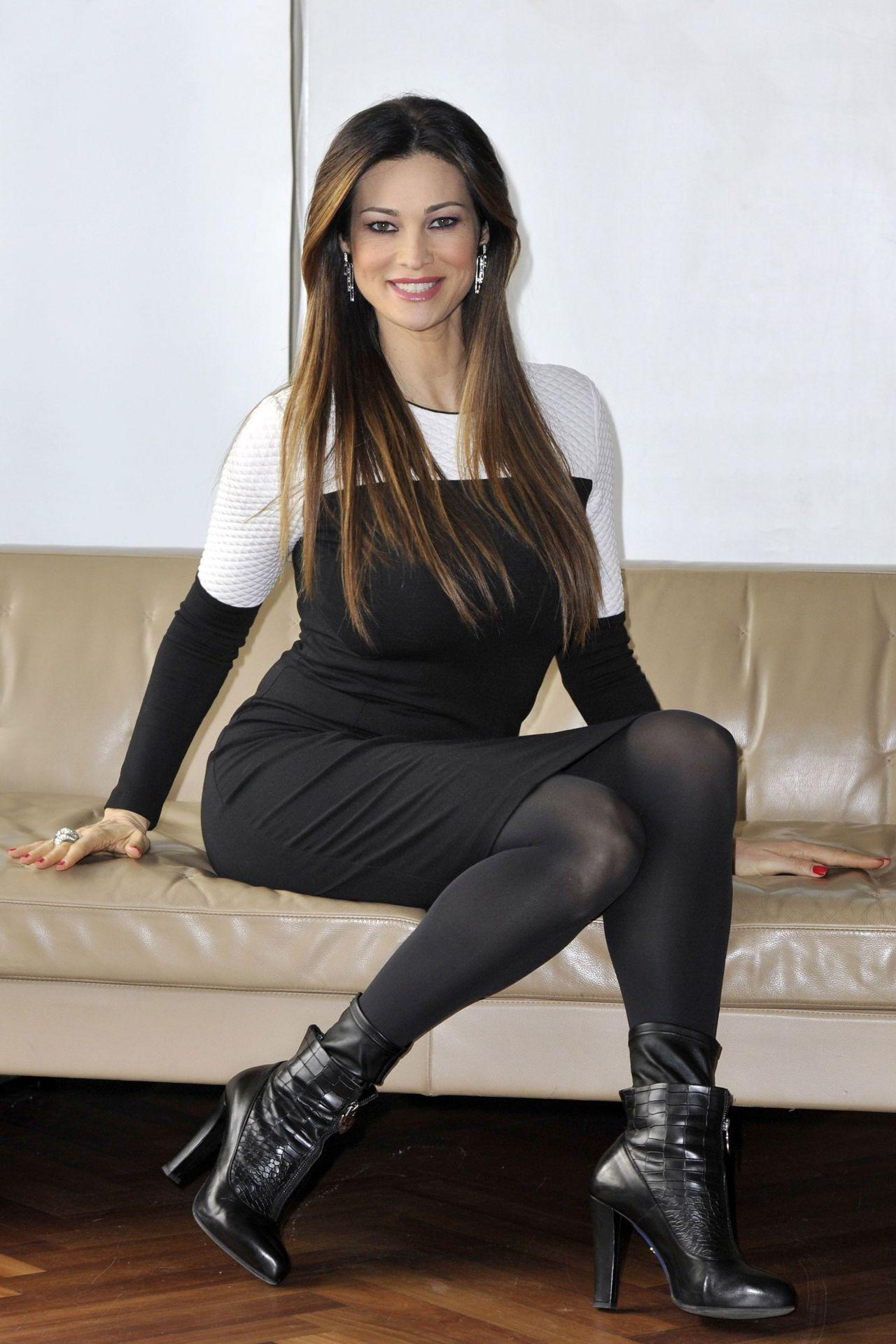 Manuela Arcuri Nude Photos 99