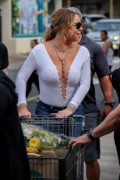 Mariah Carey - Shopping at Whole Foods in Hawaii, November 2016