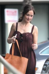 Minka Kelly - Stopping by a Gas Station to Fill up Tank in West Hollywood 11/12/ 2016