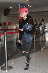 Morgan Lily - Arriving at LAX in Los Angeles 11/11/2016