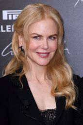 Nicole Kidman – Pirelli Calendar 2017 Launch Photocall in Paris
