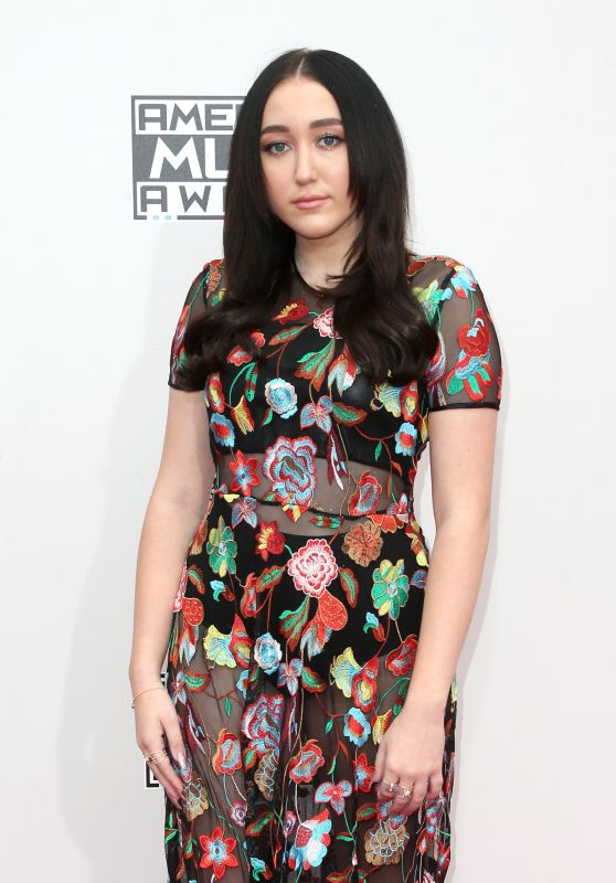 Noah Cyrus – 2016 American Music Awards in Los Angeles