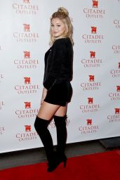 Olivia Holt - Meet and Greet Citadel Outlets Tree Lighting Event in Los Angeles, November 2016