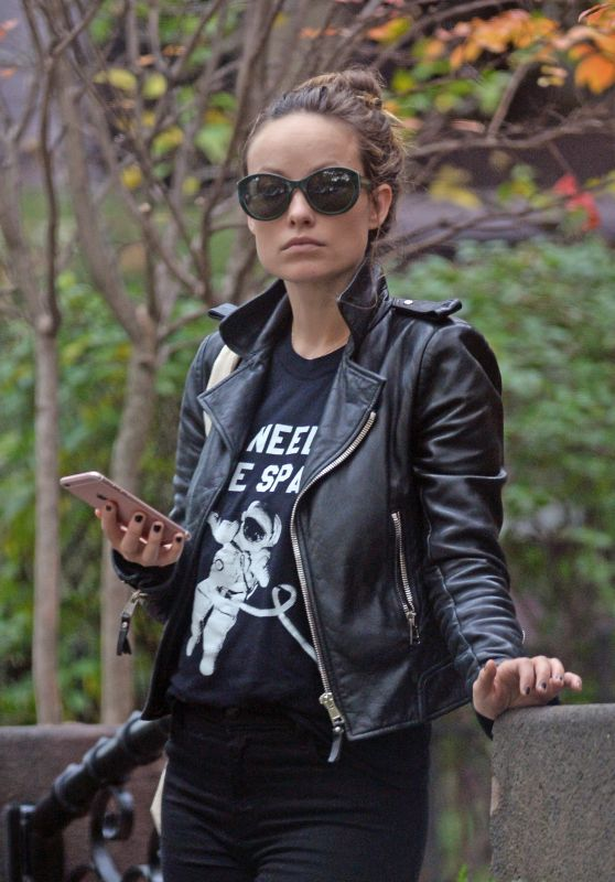Olivia Wilde Urban Outfit - Out and About in Brooklyn 11/3/ 2016
