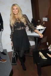 Paris Hilton - Shoe Collection Photocall in Mexico City, 11/8/2016