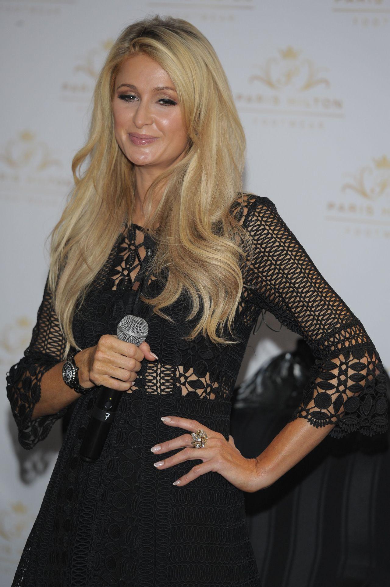 Paris Hilton - Shoe Collection Photocall in Mexico City ... Paris Hilton