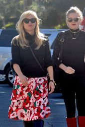 Reese Witherspoon and Ava Phillippe - Out in Los Angeles 11/18/ 2016