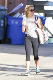 Reese Witherspoon in Leggings -  Leaving a Gym in LA 11/3/ 2016
