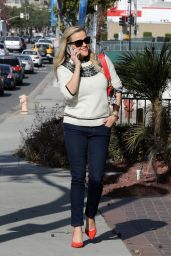 Reese Witherspoon - Shopping in Santa Monica, November 2016
