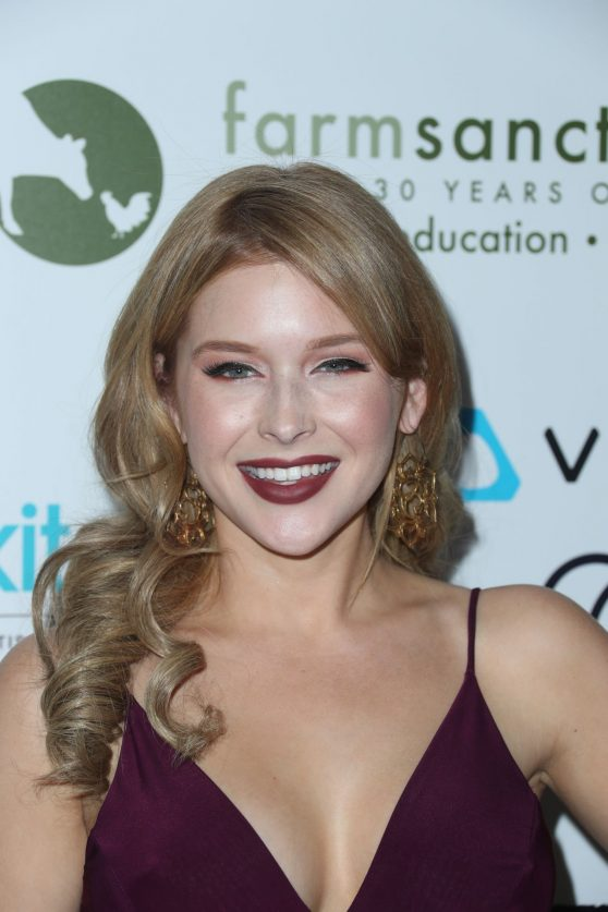 renee-olstead-farm-sanctuary-s-30th-gala-in-beverly-hills-11-12-2016-1