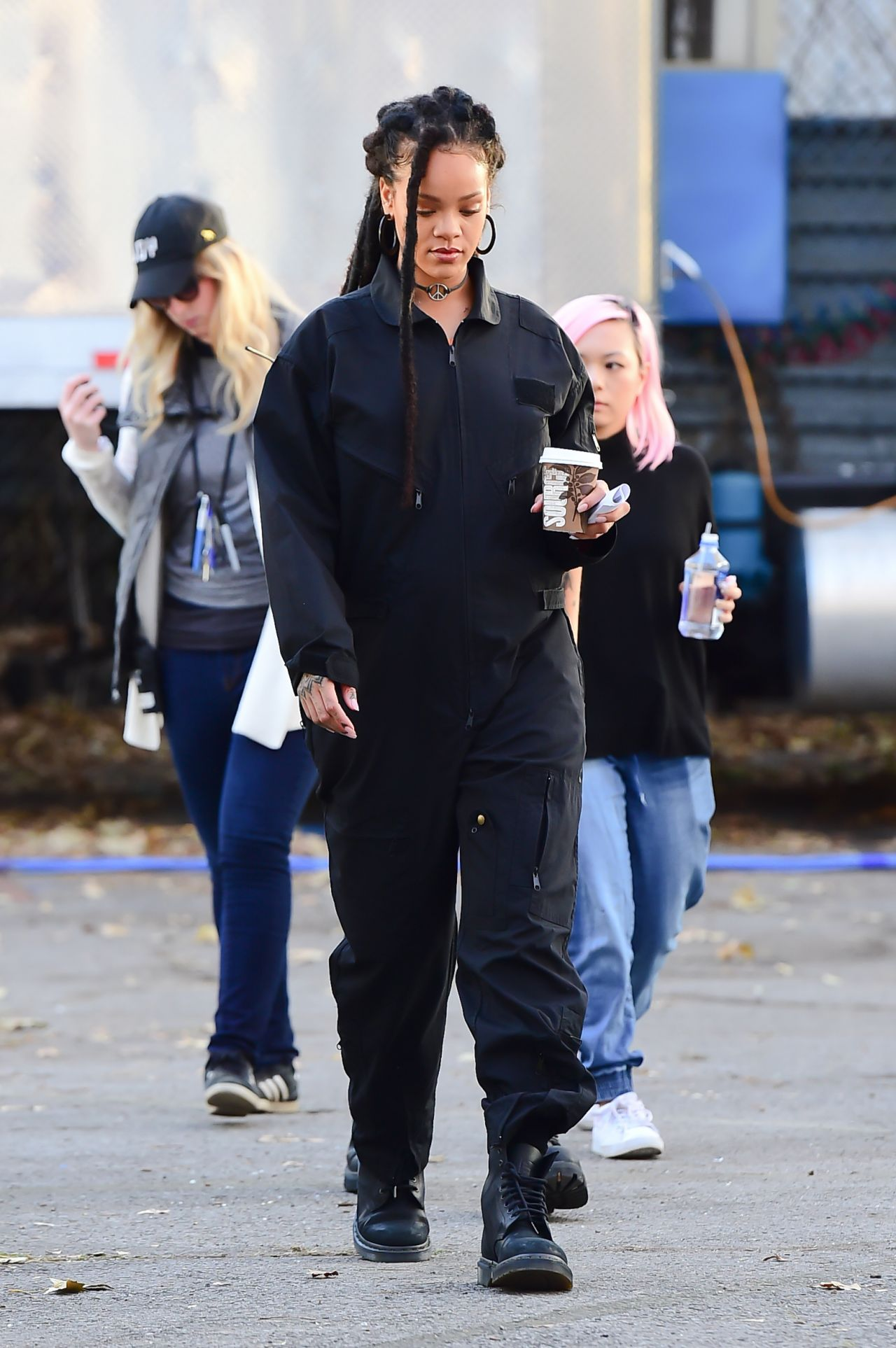 Christmas At The Whitehouse >> Rihanna - Oceans 8 Filmset in NYC 11/7/2016
