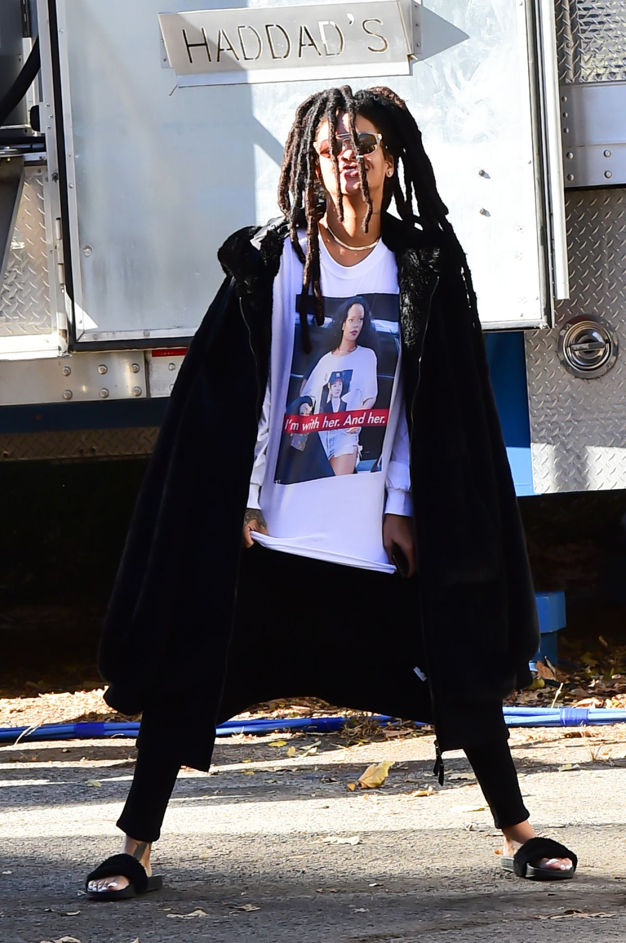 Celebrities-Trands: Rihanna – Oceans 8 Filmset in NYC 11/7/2016