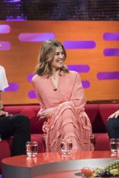 Rosamund Pike - Graham Norton Show 11/11/ 2016