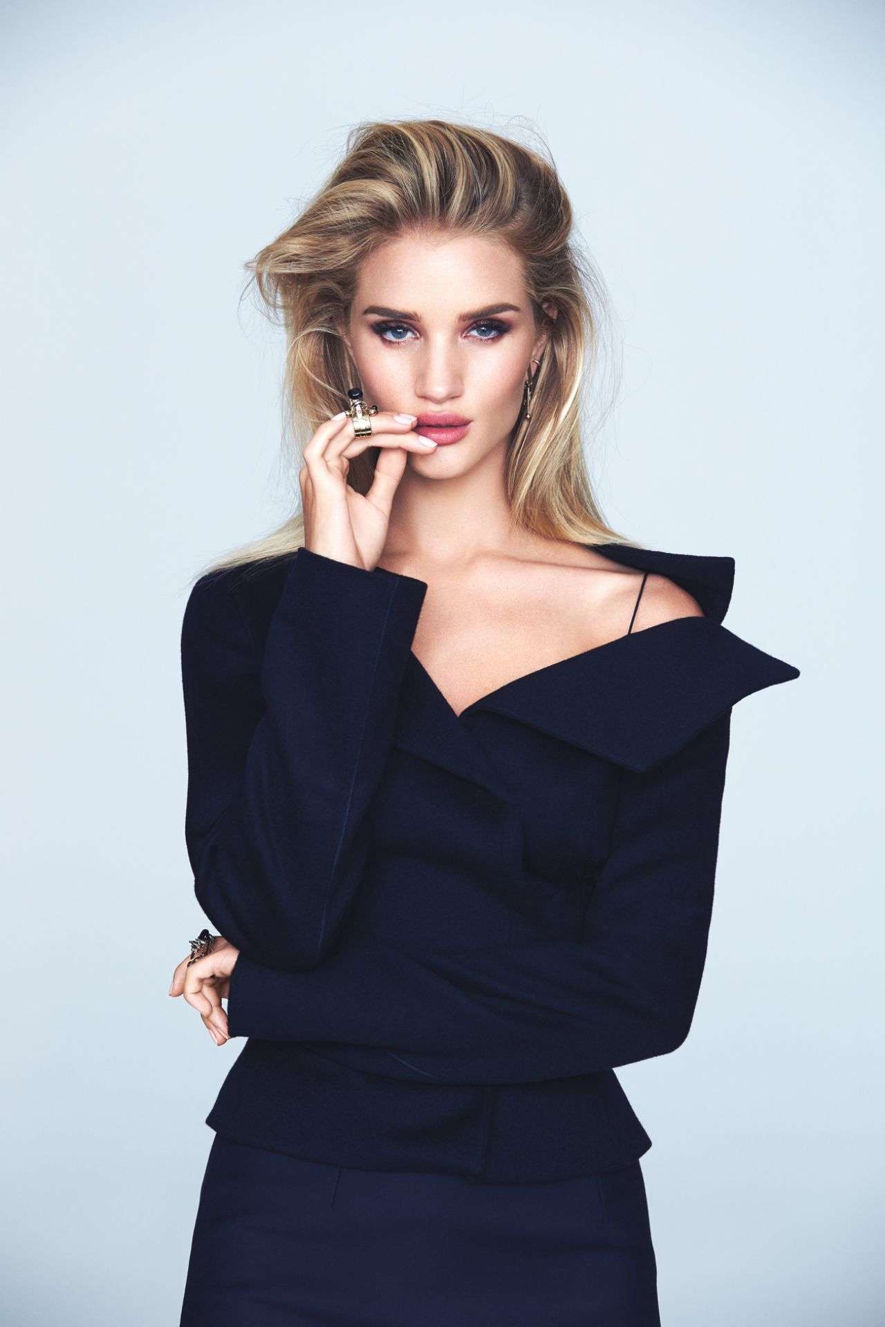 Rosie Huntington-Whiteley - Photoshoot for Elle Brazil ... Rosie Huntington Whiteley