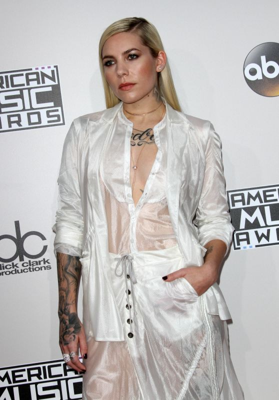 Skylar Grey – 2016 American Music Awards in Los Angeles