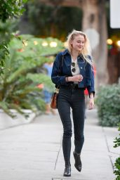 Sophie Turner - Leave a Recording Studio in Beverly Hills, CA 11/29/ 2016