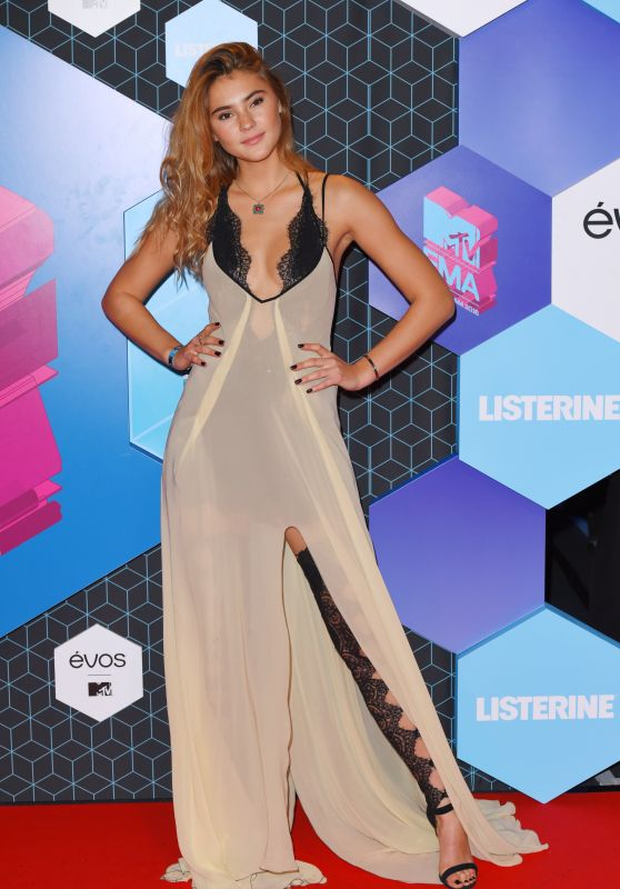 Stefanie Giesinger – MTV Europe Music Awards in Rotterdam 11/6/2016