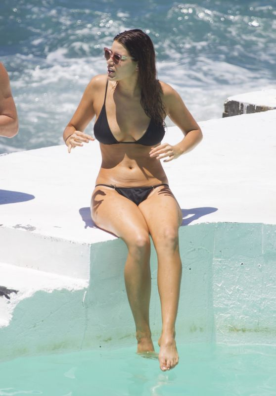 Tahnee Atkinson in a Bikini - Bondi in Sydney 11/18/ 2016