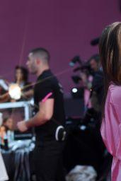 Taylor Hill – Victoria's Secret Fashion Show 2016 Backstage