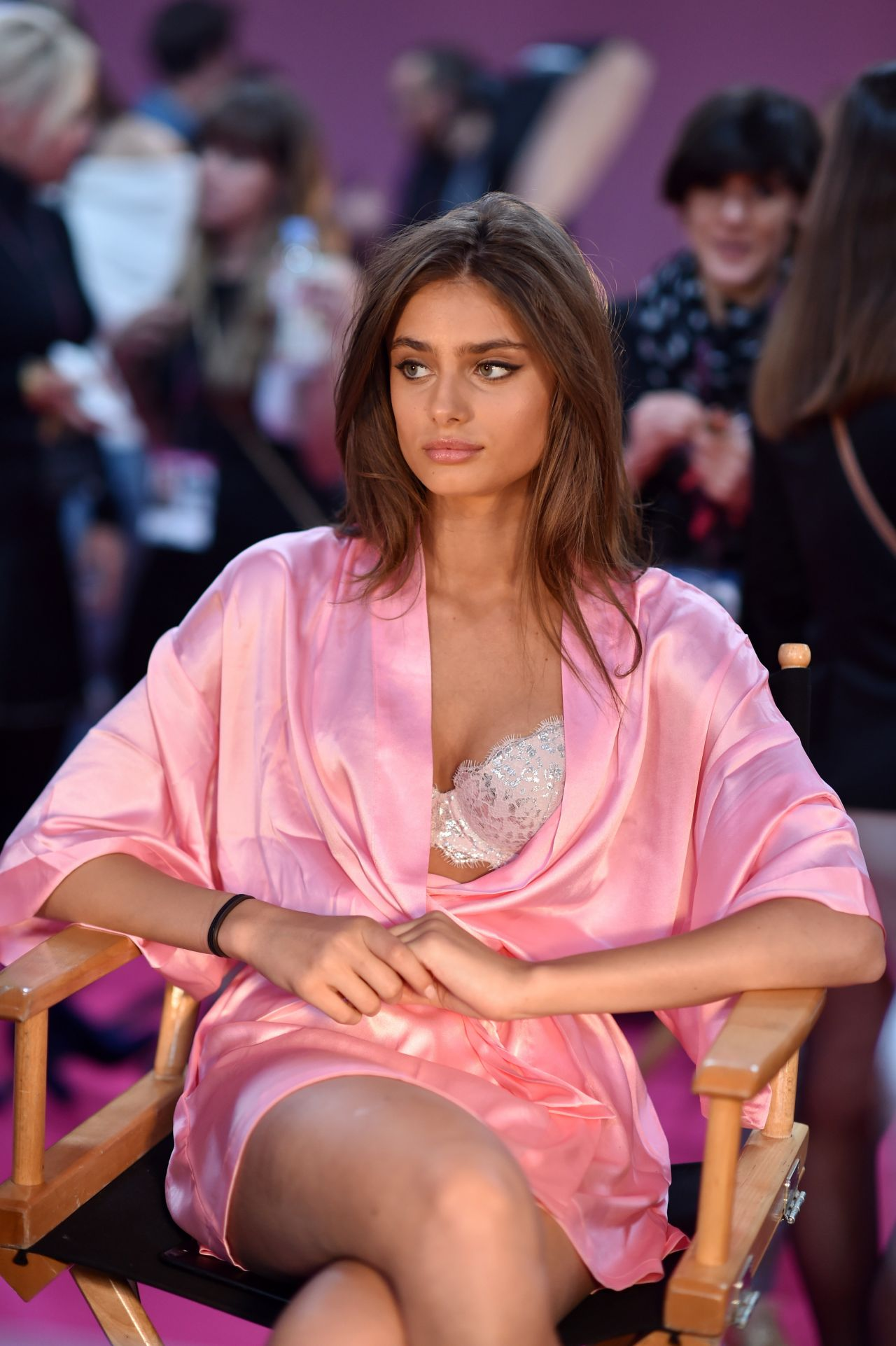 Taylor Hill – Victoria's Secret Fashion Show 2016 Backstage